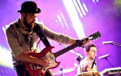 Alessandro Chimienti lezioni di chitarra rock e folk corsi professionali di chitarra