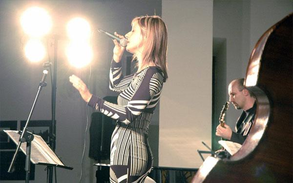 Paola Fortini Lezioni di Canto jazz fusion Corsi professionali di canto